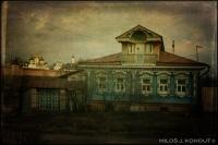 30_blue-house-a.jpg